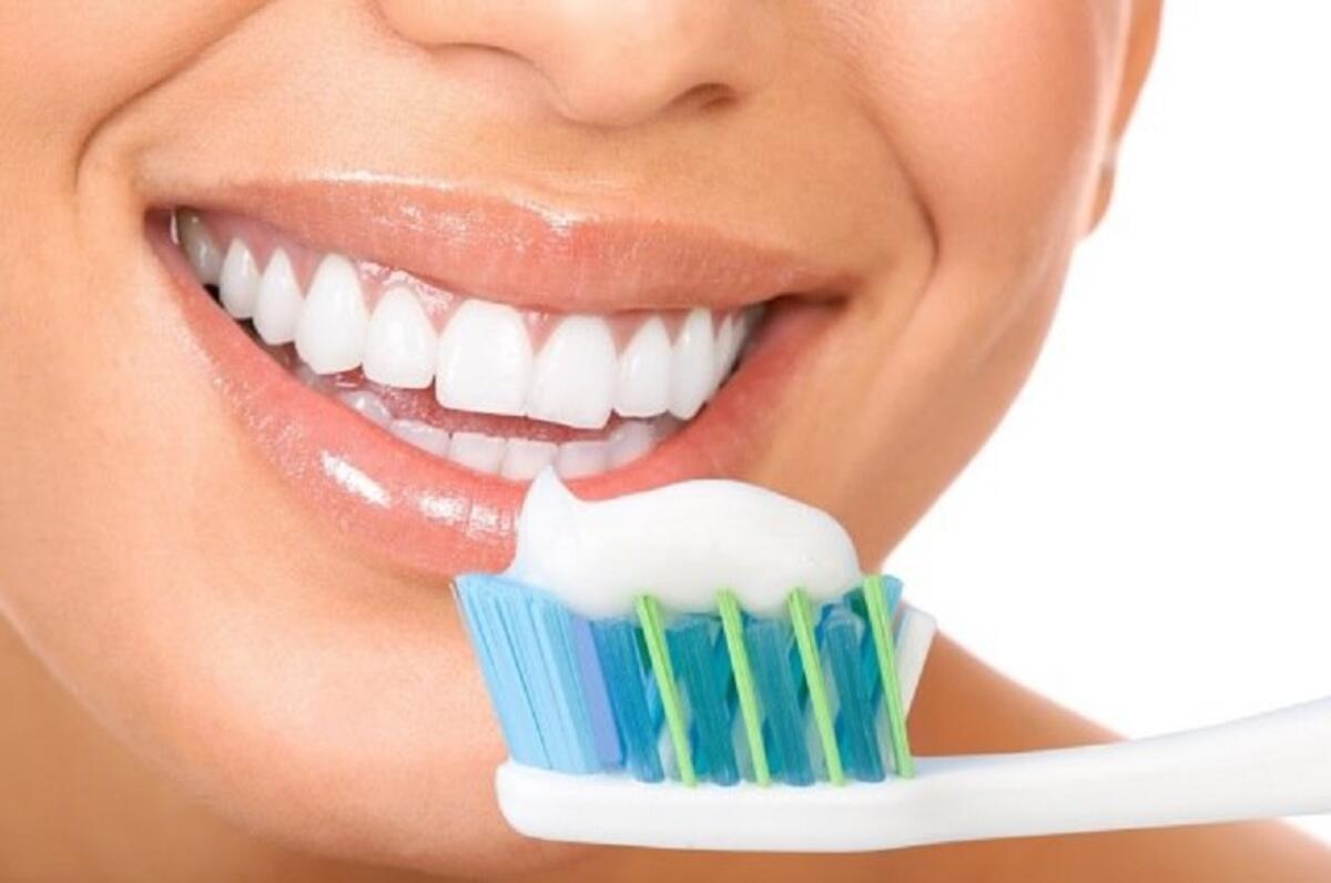 Düzenli Olarak Dişlerinizi Fırçalayın