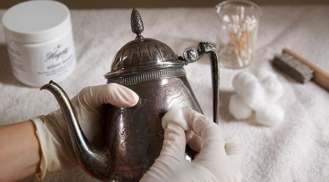 Evde Gümüş Eşyalar Nasıl Parlatılır ?