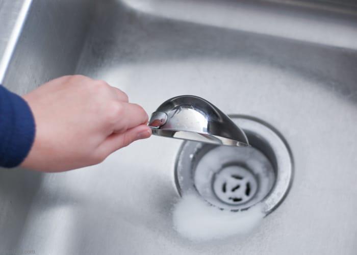 Karbonat İle Lavabo Koku Giderici Temizleme